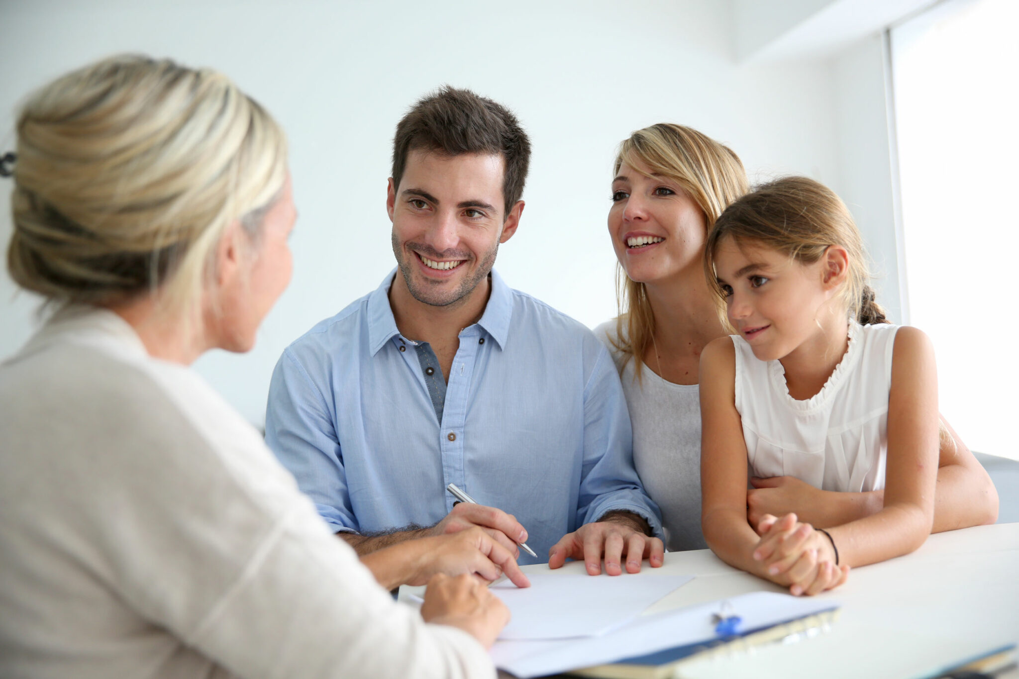 Family buying new house | Cobb Team